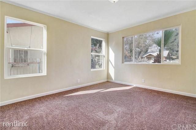 423 W 21st St, San Bernardino, CA - $1,000 USD/ month