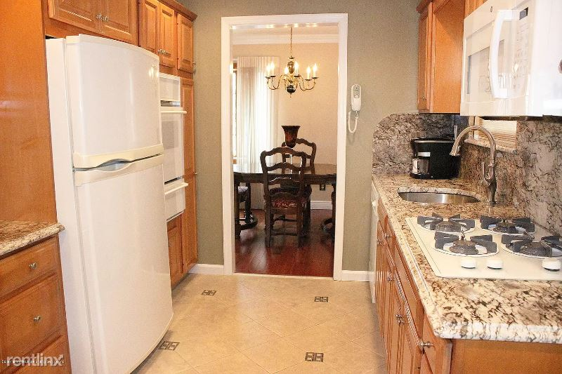 Genesee Ave, Staten Island, NY - $1,000 USD/ month