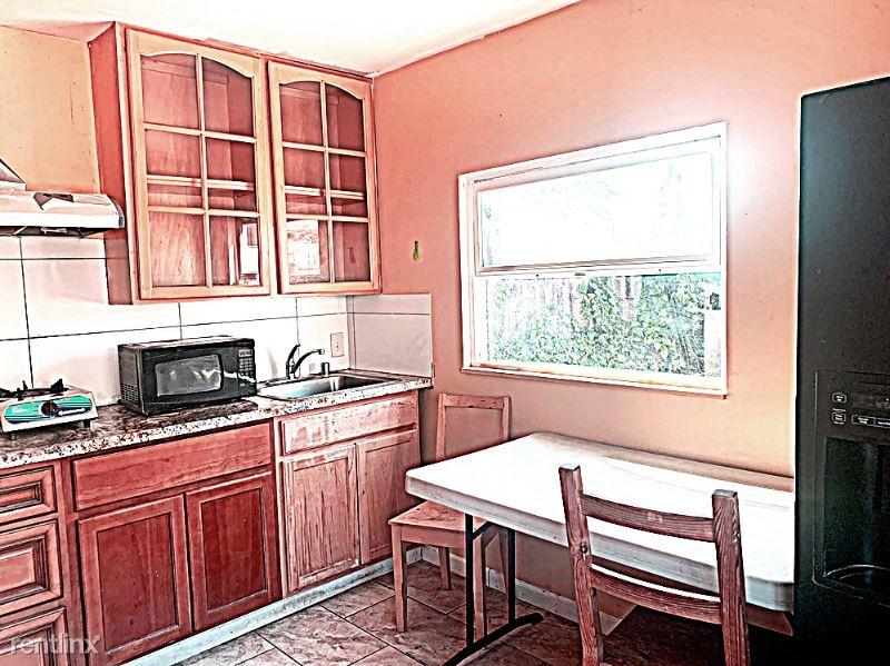 BILLINGS BLVD., San Leandro, CA - $1,788 USD/ month