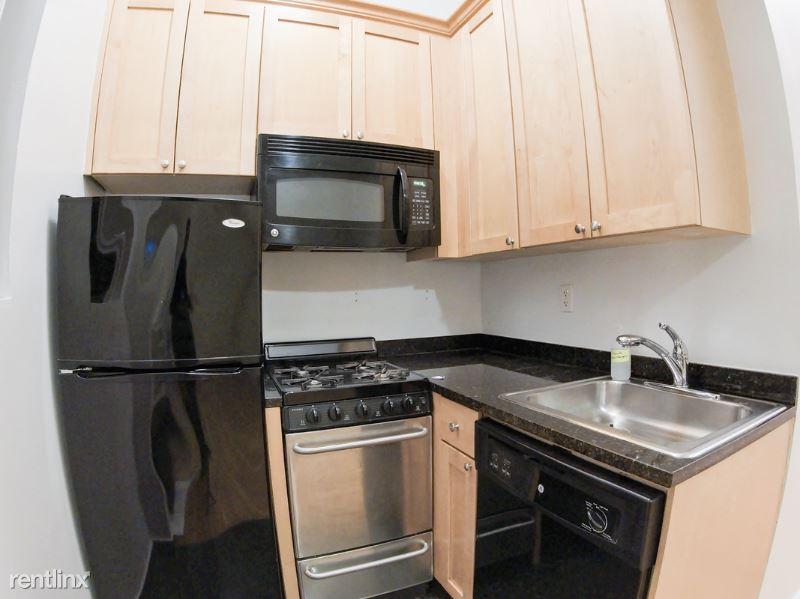 150 E 84th St, New York NY 1O, New York, NY - $2,662 USD/ month