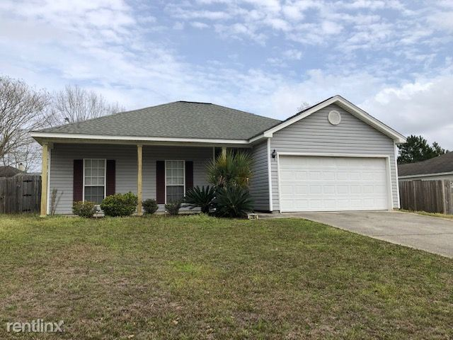 12054 Five Oaks Dr, Gulfport, MS - 1,250 USD/ month