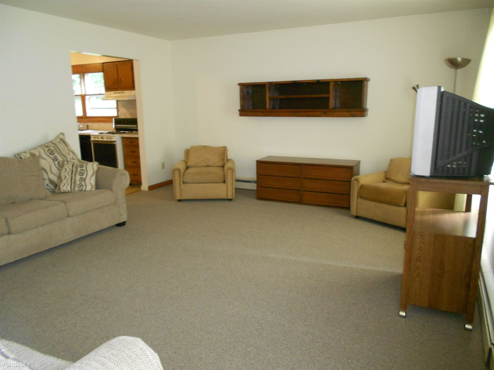 426 East Buffalo Street, Ithaca, NY - $1,640 USD/ month