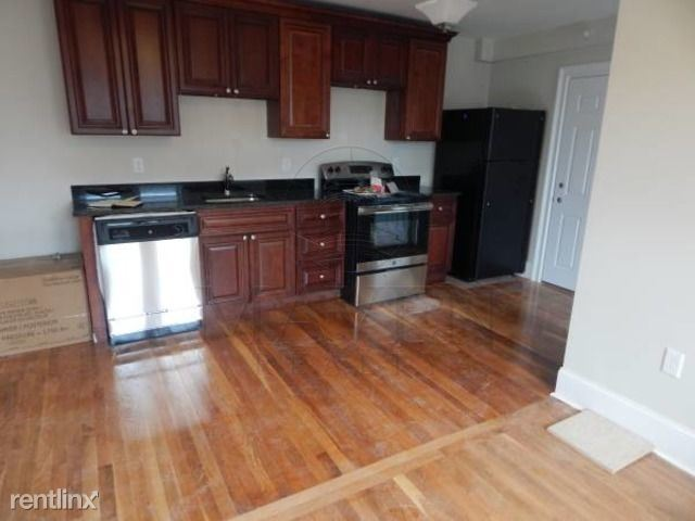 131 Orchard Street, Somerville, MA - $2,150 USD/ month