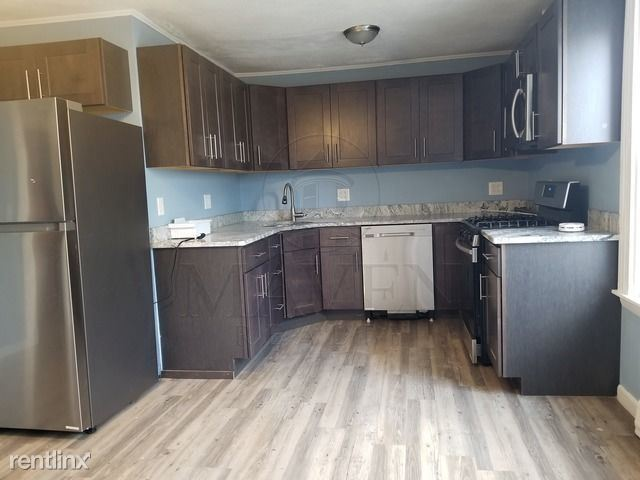 286 Highland Avenue, Somerville, MA - $3,400 USD/ month