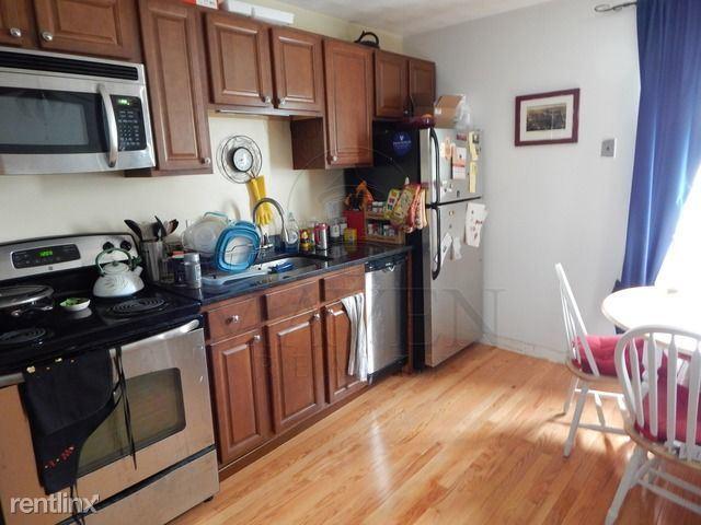 217 Holland Street, Somerville, MA - $2,150 USD/ month