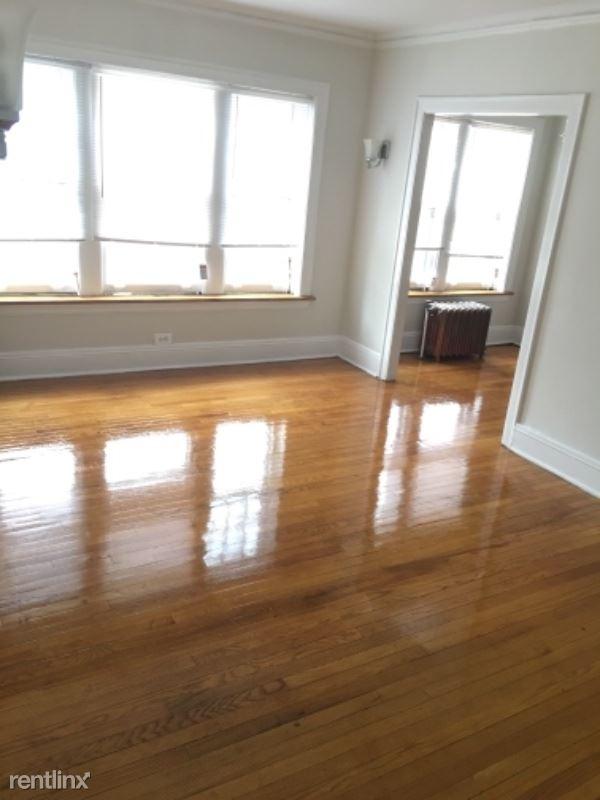 430 Linden Ave, Wilmette, IL - $950 USD/ month