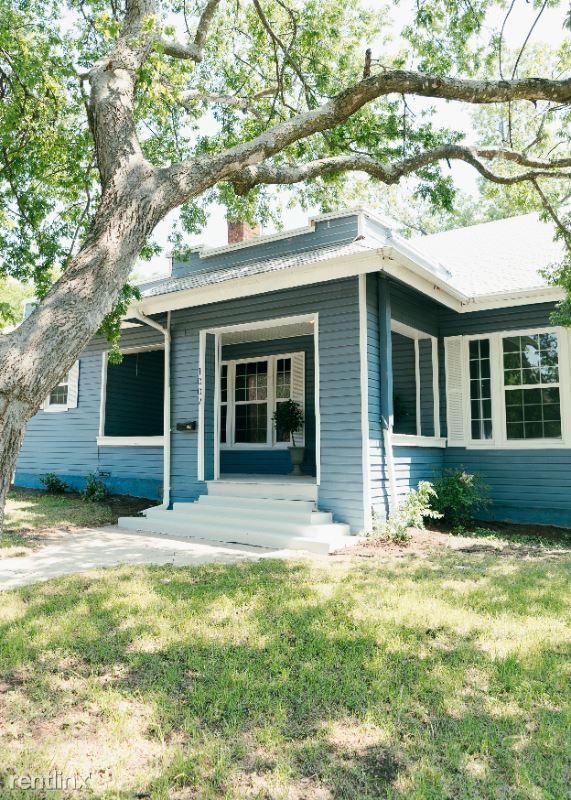 1002 W Mulberry Ave, San Antonio, TX - $1,350 USD/ month