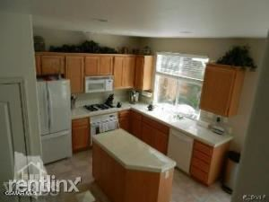 484 Fallbrook Ave, Newbury Park, CA - $3,600 USD/ month