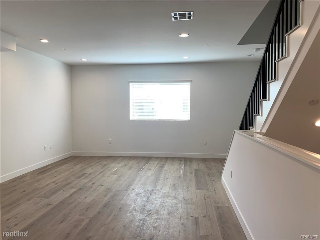5135 Maplewood Ave, Los Angeles, CA - $4,150 USD/ month