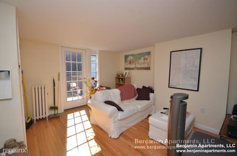 20 Phillip Street 07, beacon hill, MA - 2,950 USD/ month
