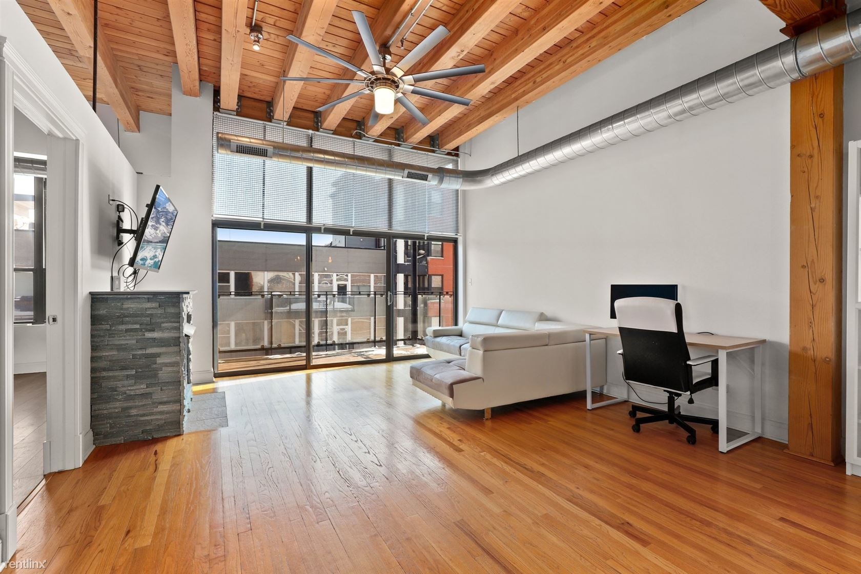 1610 S Halsted St, Chicago, IL - $850 USD/ month