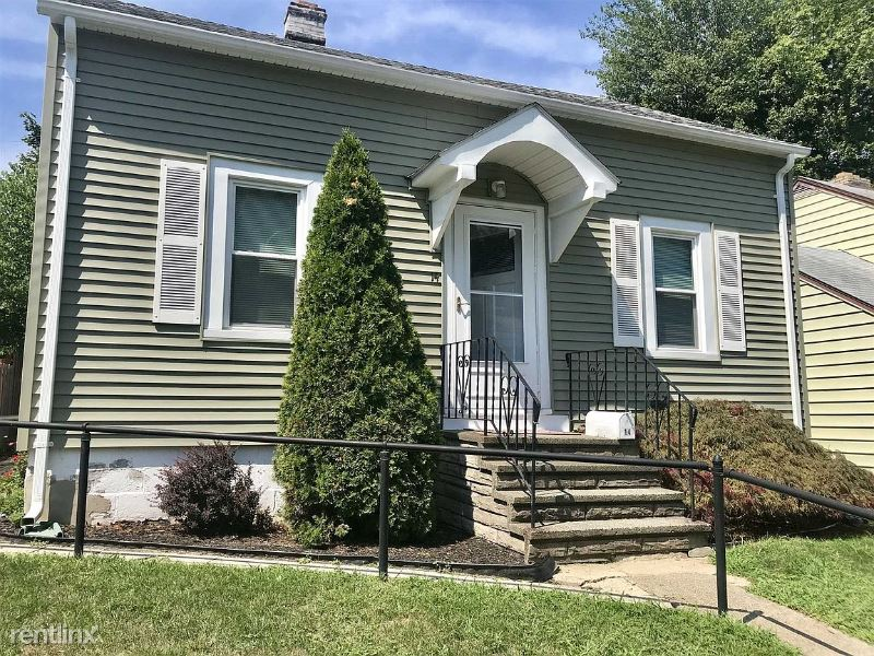 14 Young St, Poughkeepsie, NY - $1,750 USD/ month