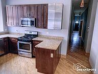 4715 S Michigan Ave 3, Chicago, IL - $2,350 USD/ month