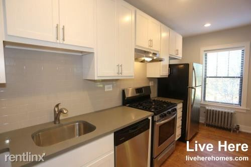 N. Winchester, Chicago, IL - $1,350 USD/ month