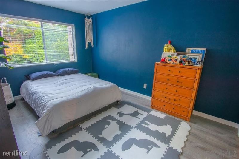 5226 S Fig Ave, Fresno, CA - $800 USD/ month