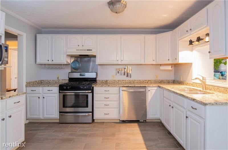 515 Worth St, Raleigh, NC - $750 USD/ month