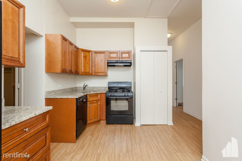 1728 N Orchard St S1, Chicago, IL - $2,400 USD/ month