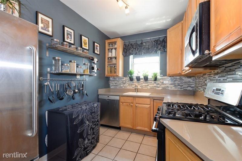 606 W Romeo B Garrett Ave, Peoria, IL - $700 USD/ month