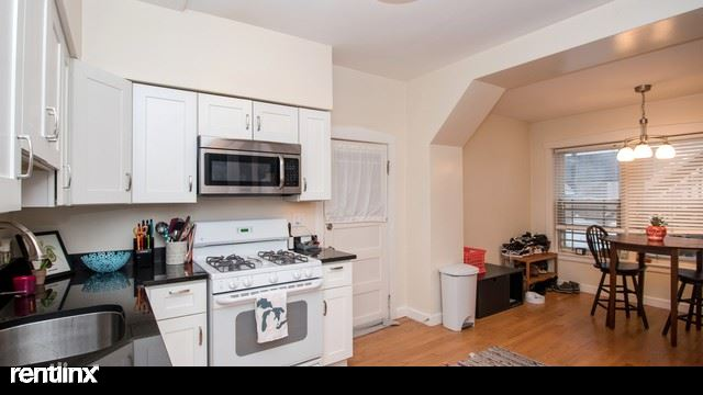 3418 N Seminary Ave 3, Chicago, IL - $3,000 USD/ month