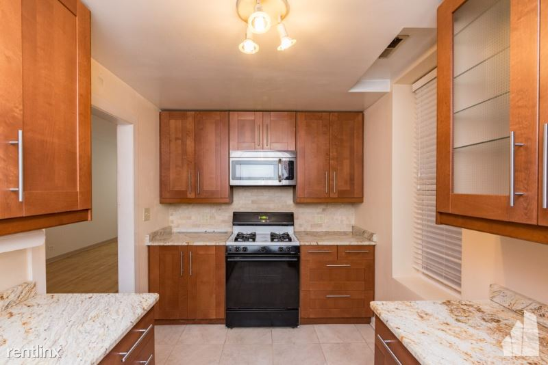 1835 N Winchester Ave 1, Chicago, IL - $2,450 USD/ month