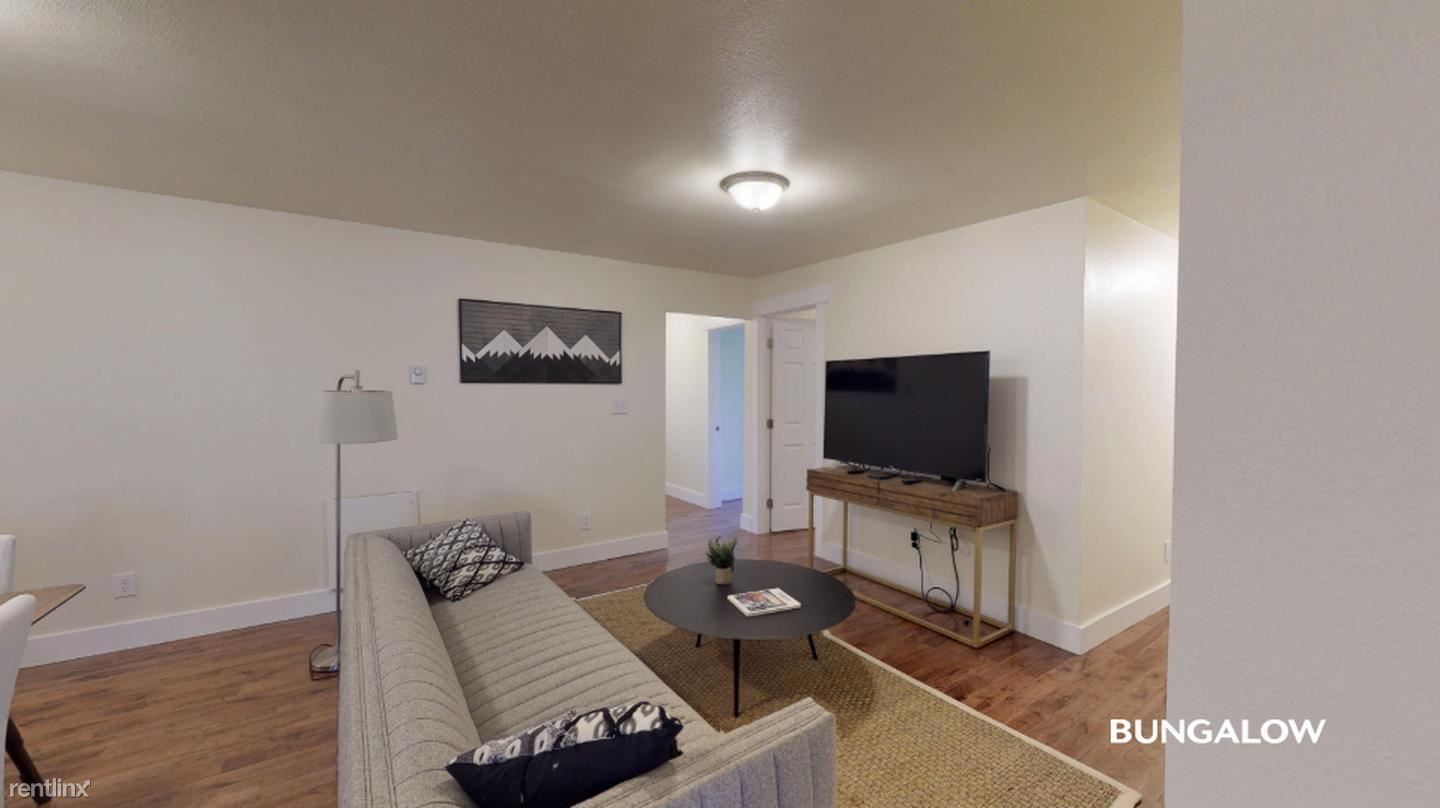 1641 10th Ave E, Seattle, WA - $665 USD/ month