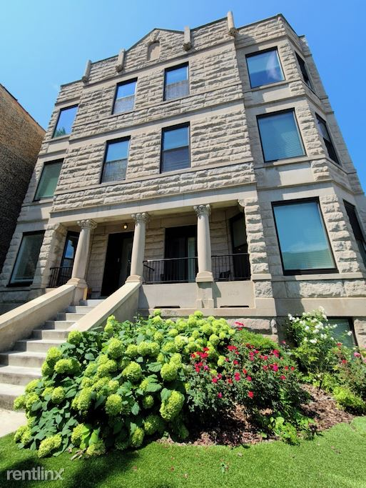 4016 N. Kenmore, Unit 1SE, Chicago, IL - $2,700 USD/ month