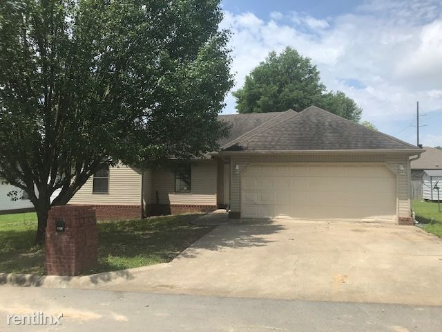 1308 Amanda Lane, Paragould, AR - $1,150 USD/ month