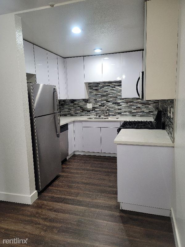 5623 Carlton Way 205, Los Angeles, CA - $2,450 USD/ month