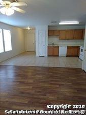 11252 Center Point Rd, San Antonio, TX - $1,150 USD/ month