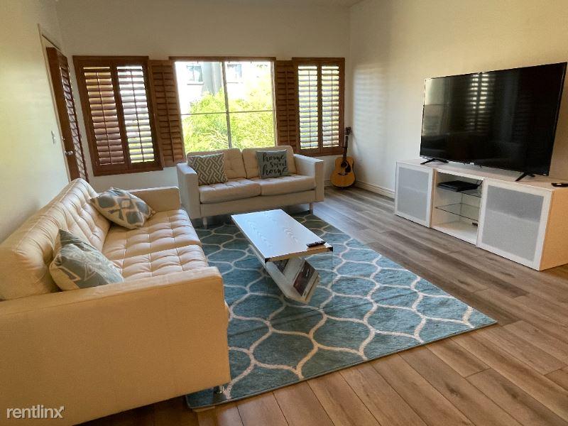 5350 East Deer Valley, Phoenix, AZ - $2,500 USD/ month