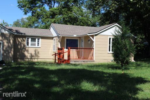 404 NE 74 ST, Kansas City, MO - $1,275 USD/ month