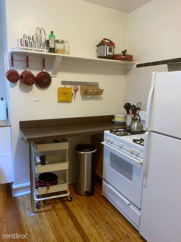 3237 W Dickens Ave 1, Chicago, IL - $1,050 USD/ month