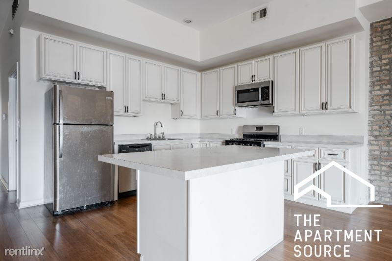 2358 N Clybourn Ave 2, Chicago, IL - $2,900 USD/ month