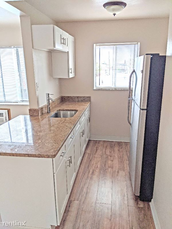 1615 Newman Ave 306, Lakewood, OH - $792 USD/ month
