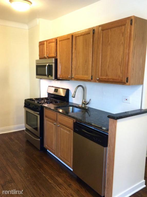 2842 W Fletcher St 1S, Chicago, IL - $1,825 USD/ month