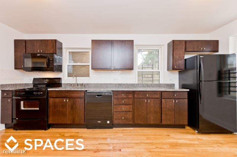 3136 N Southport Ave 1R, Chicago, IL - $1,650 USD/ month