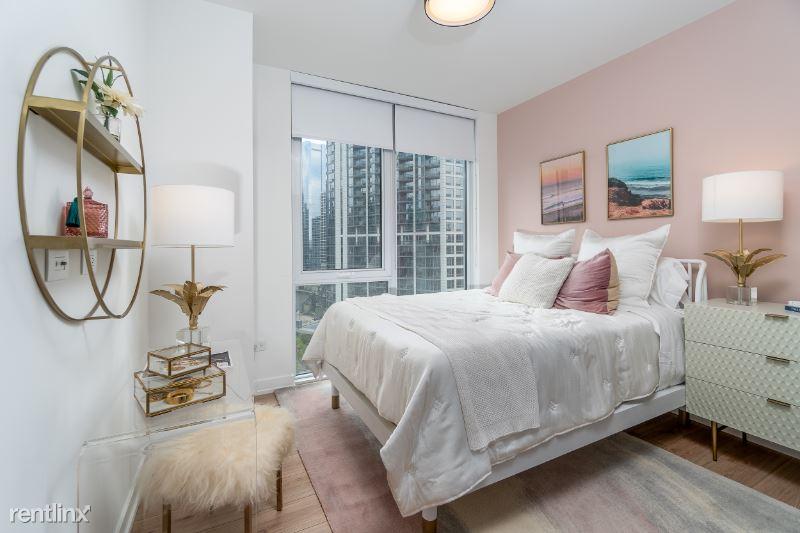 340 W Grand, Chicago, IL - $3,875 USD/ month