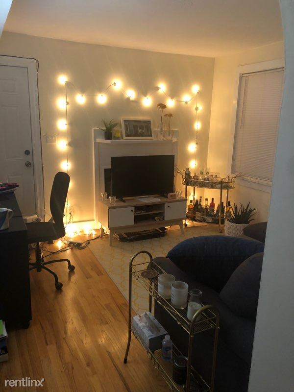 3006 N Sheffield Ave 2R, Chicago, IL - $1,300 USD/ month