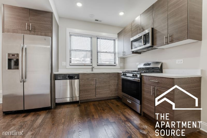 2228 N Sawyer Ave 3e, Chicago, IL - $2,150 USD/ month