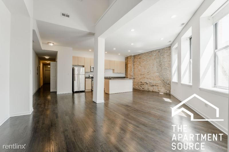 2336 N Milwaukee Ave R, Chicago, IL - $3,100 USD/ month