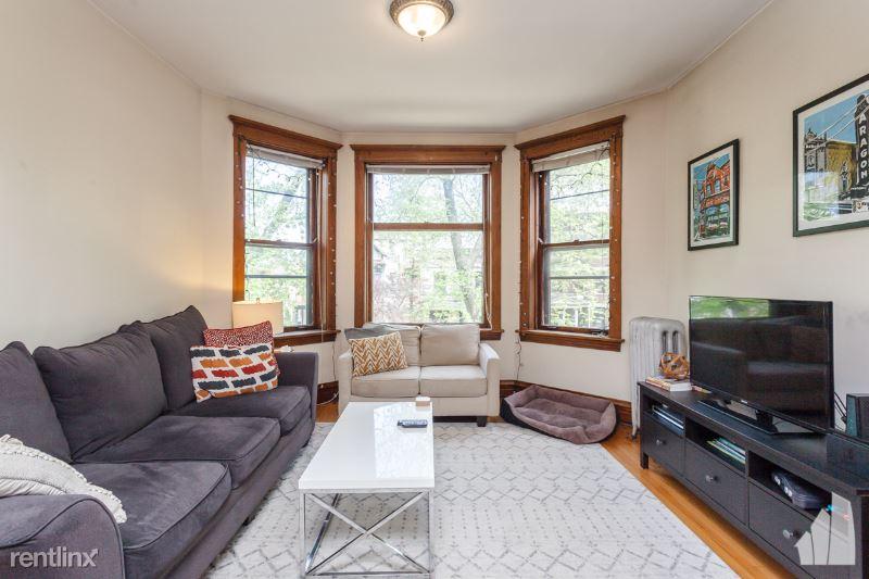 3652 N Janssen Ave 2F, Chicago, IL - $2,300 USD/ month