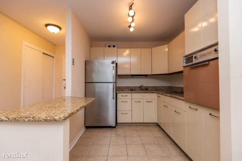 3550 N Lake Shore Dr 2411, Chicago, IL - $1,250 USD/ month