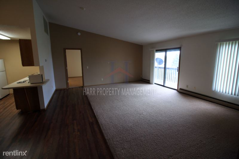 4500 E 33rd St 77, Sioux Falls, SD - 850 USD/ month