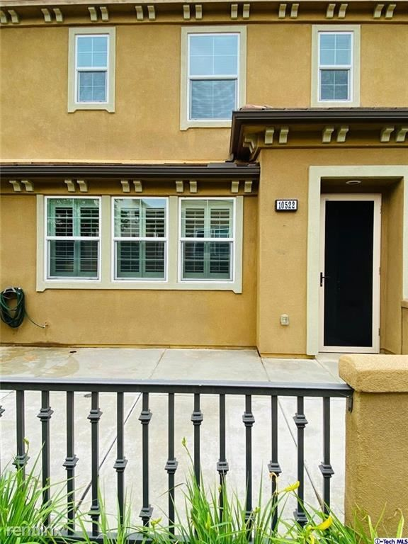 10522 Maple Ln, Santa Fe Springs, CA - 3,200 USD/ month