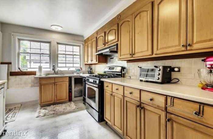 Columbus Ave, West Harrison, NY - 2,700 USD/ month