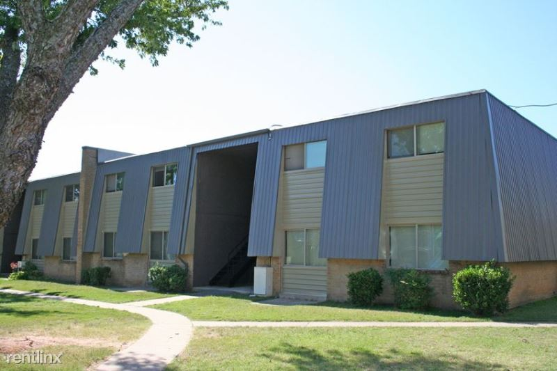 7626 NW 10th Street, Oklahoma, CO - 680 USD/ month