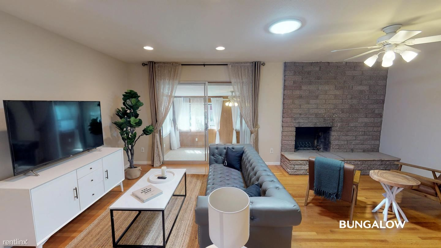 8781 Dalewood Ave, San Diego, CA - 875 USD/ month