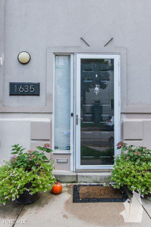 1635 W Altgeld St 1, Chicago, IL - 3,700 USD/ month