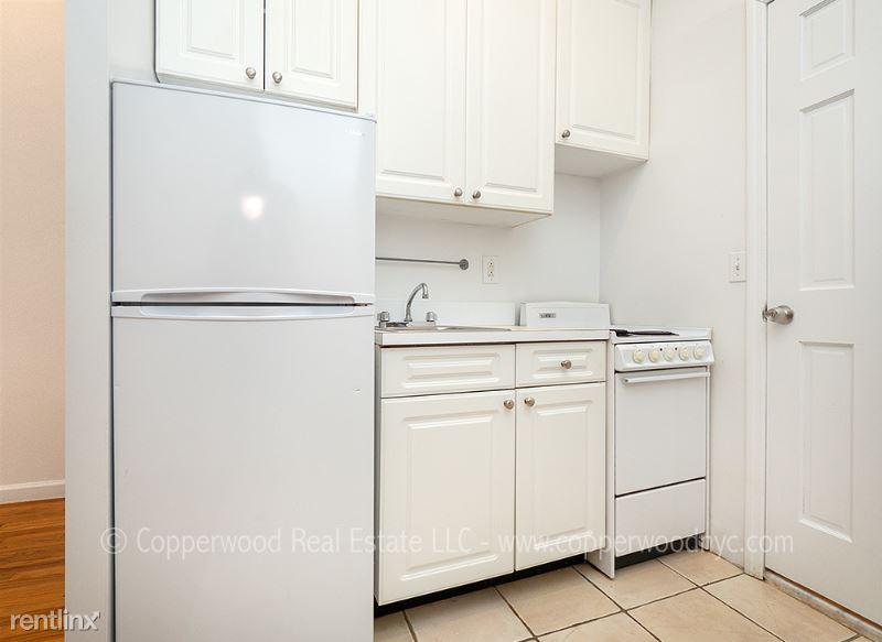 428 E 89th St 2D, New York, NY - 1,820 USD/ month