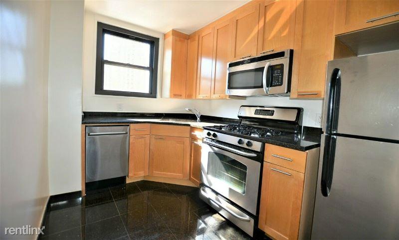 333 E 49th St 7F, New York, NY - 2,637 USD/ month